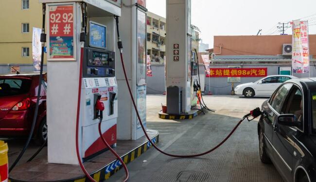"""禁止加油站白天营业,如此""""环保""""可还行?"""