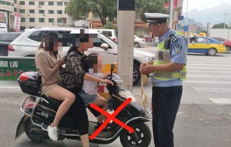 电动车载人不是单纯的立法命题