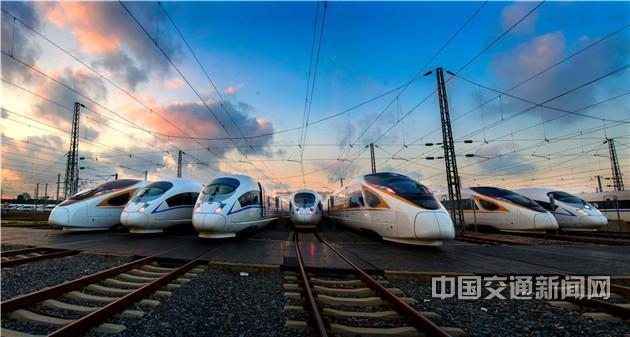 【壮丽70年 奋斗新时代】铁龙飞驰强国脉——新中国成立70周年铁路交通发展成就综述