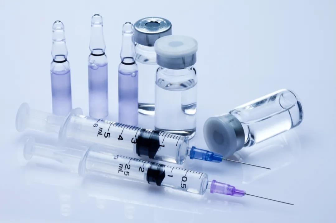 """新冠病毒变异快怎么办?体内长存怎么办?这些疫苗""""猎手""""未雨绸缪"""